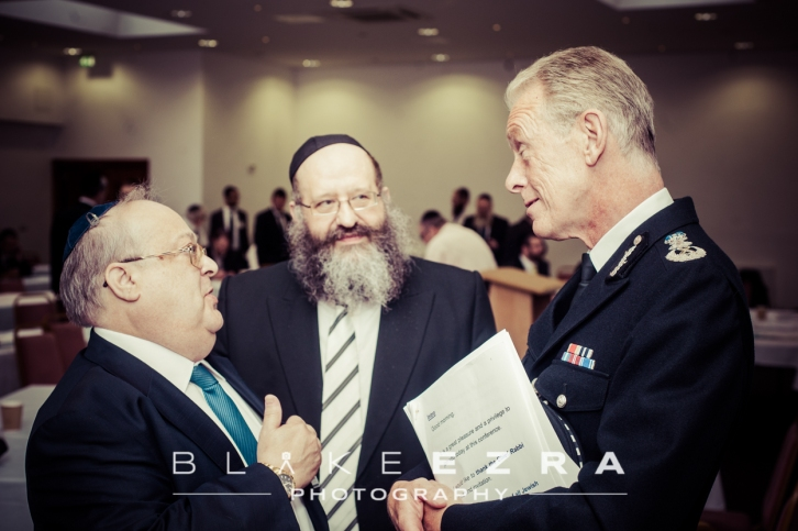 Sir Bernard Hogan-Howe, Metropolitan Police Commissioner, in conversation with British Rabbis.
