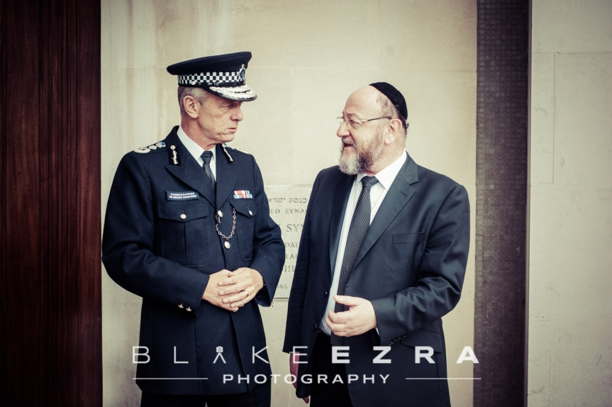 Sir Bernard Hogan-Howe, Metropolitan Police Commissioner, with Chief Rabbi of the UK, Ephraim Mirvis.